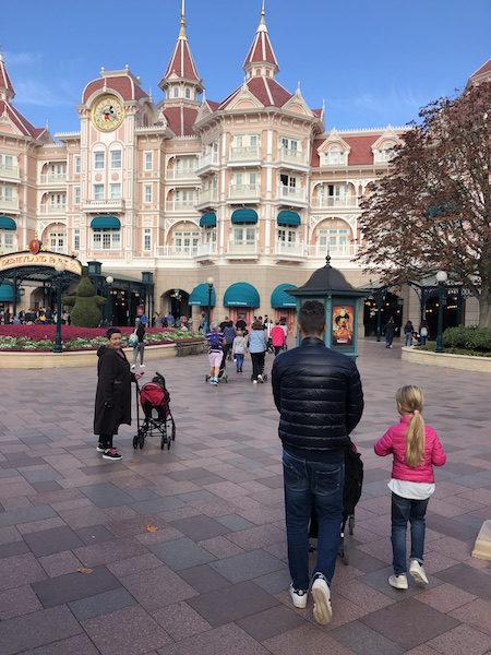 arrivare a Disneyland in treno